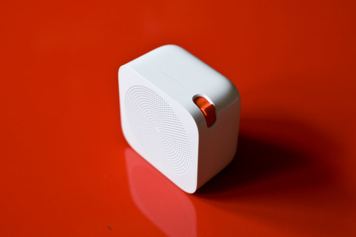 красная кнопка для переключения каналов