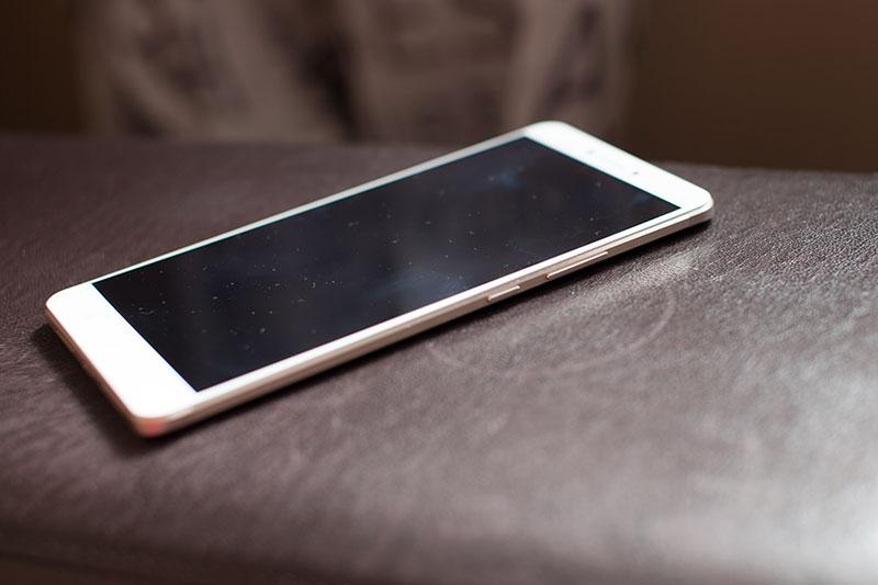правая сторона Xiaomi Max
