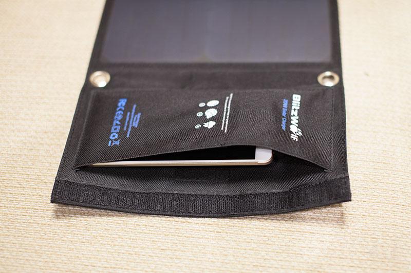 карман для заряжаемого телефона