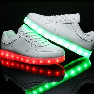 Детские светящиеся кроссовки