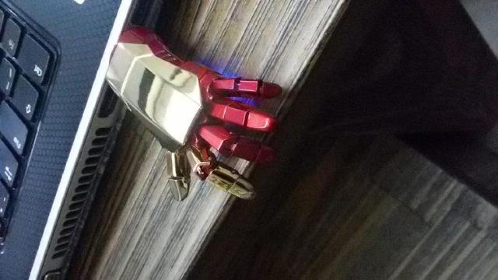 работа флешка iron-man