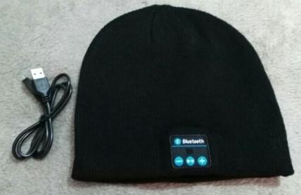 шапка bluetooth