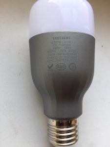 умная лампочка Xiaomi Yeelight