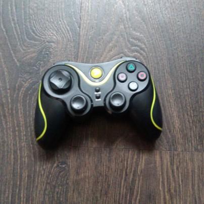 Неплохая копия джойстика DualShok 3 для PS3