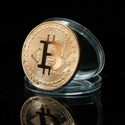 Сувенирная монета Bitcoin